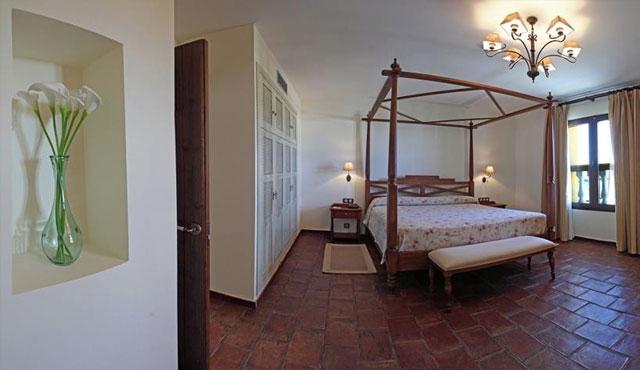 hotel-cortijo-santa-cruz.jpg