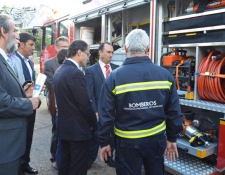 El parque comarcal de bomberos Don Benito-Villanueva cuenta con dos nuevos vehículos de última tecnología