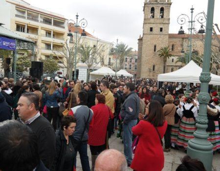 Cientos de personas participan en el III Homenaje a la Tortilla de Patatas