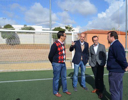 Nuevas porterías para el campo de fútbol de cesped artificial