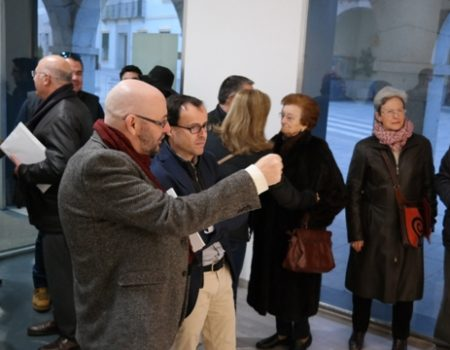 """La exposición de JJ Guisado """"CT0314 Conquistadores"""" quiere reflejar lo vivido en los conocidos como pisos rojos"""