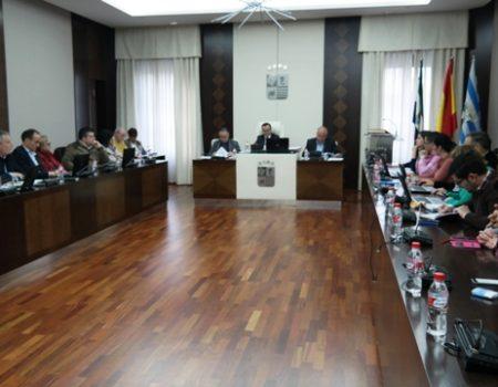 El pleno aprueba solicitar a la Consejería de Economía e Infraestructura de la Junta de Extremadura  la entrega de  los tramos urbanos de las carreteras EX206 y EX104