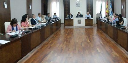 El pleno aprueba un convenio con el Ayuntamiento de Don Benito para optar a subvenciones para la implantación de fibra óptica