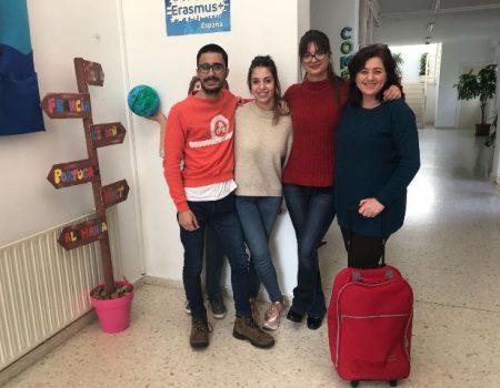Tres alumnos de Educación infantil del IES Pedro de Valdivia hacen sus prácticas en Cerdeña