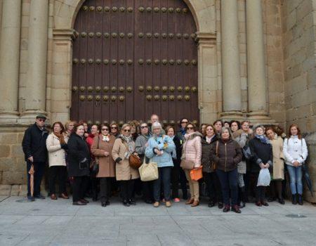 Más de 40 personas visitan las instalaciones del Ayuntamiento y su entorno