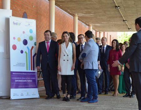 La Reina Letizia visita Villanueva para inaugurar el VCongreso Educativo de Enfermedades Raras