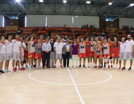 El alcalde Miguel Ángel Gallardo visita a la Selección Española Femenina de Baloncesto