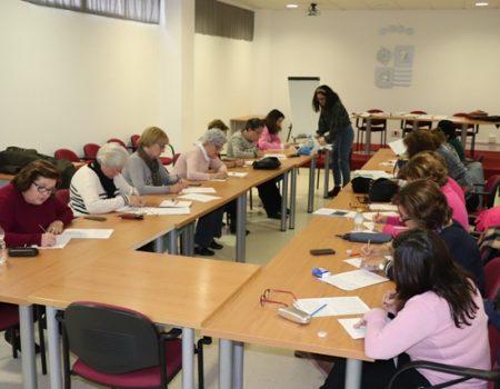 20 mujeres han participado en un taller de estimulación cognitiva
