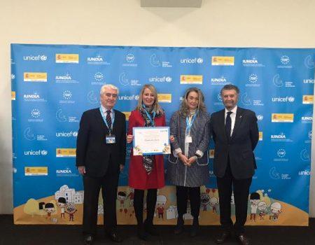 Villanueva recibe en Oviedo la renovación de su reconocimiento de Ciudad Amiga de la Infancia (CAI) Unicef
