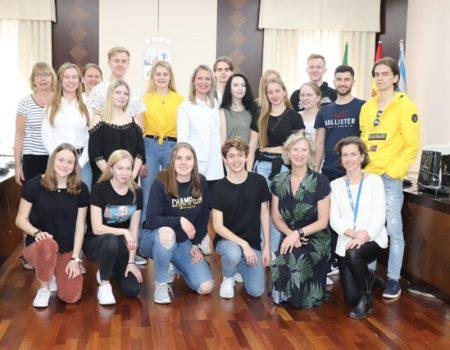 Alumnos suecos visitan el Ayuntamiento
