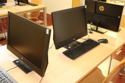 La biblioteca Felipe Trigo renueva sus seis ordenadores de consulta