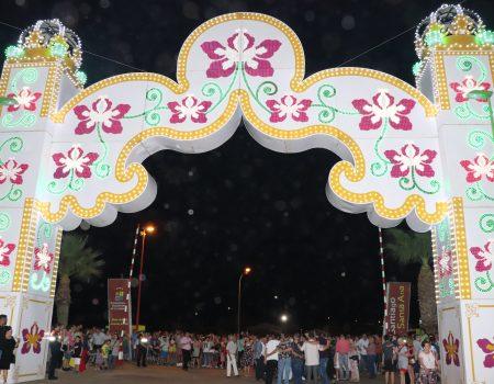 Miles de personas disfrutan ya de las fiestas patronales de Santiago y Santa Ana