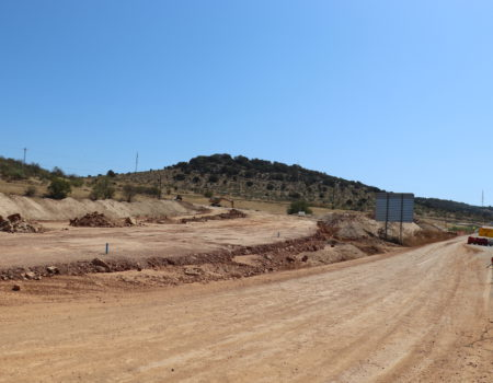 Ya han comenzado las obras de la carretera que une La Encomienda con el puente Rodríguez Ibarra