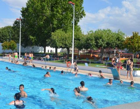 60.000 usuarios han disfrutado de la piscina municipal este verano