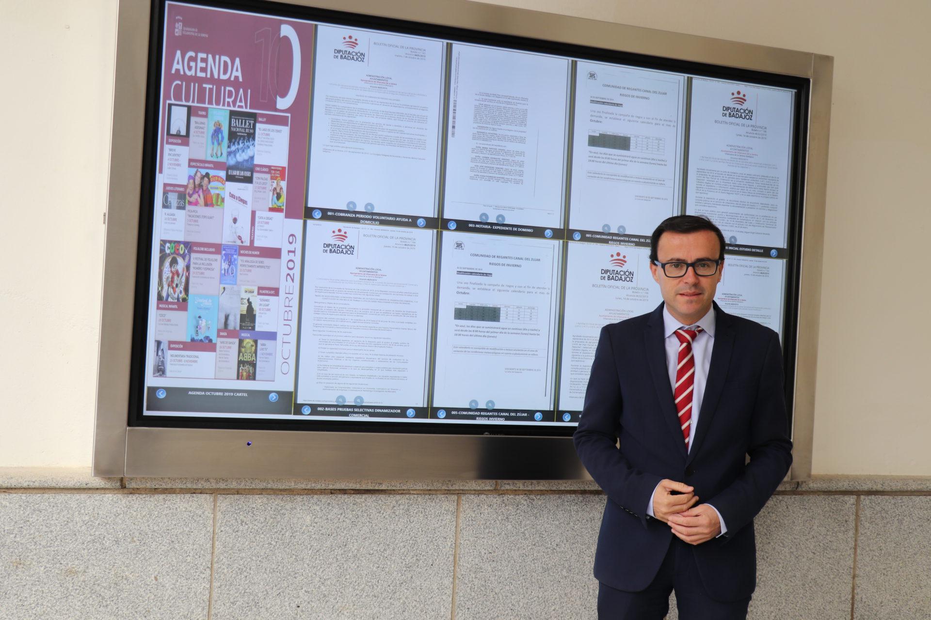 Villanueva de la Serena, la primera de la región en contar con tablón de anuncios inteligente