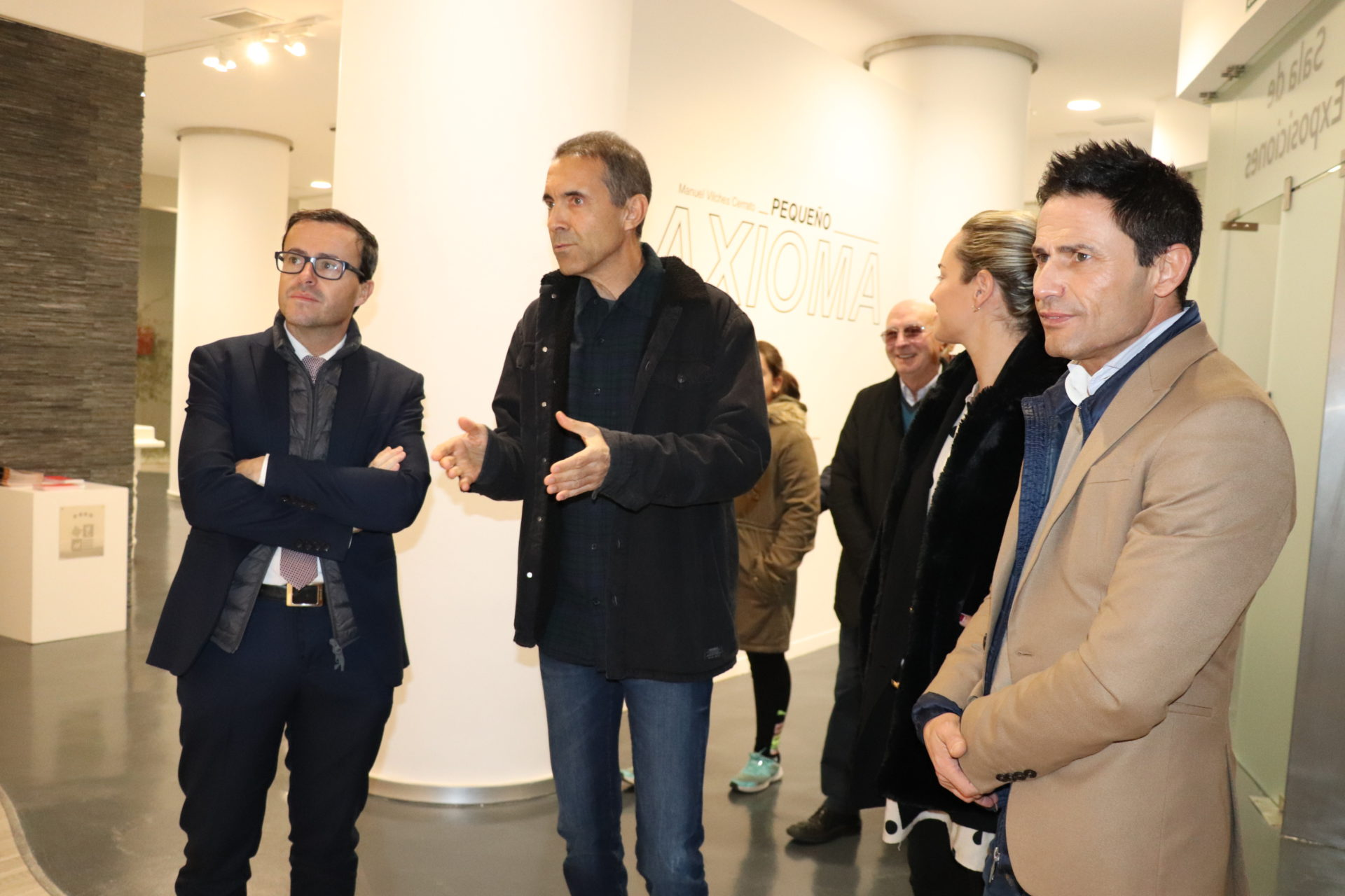 """El villanovense Manuel Vilches inaugura su exposición """"Pequeños Axiomas"""""""