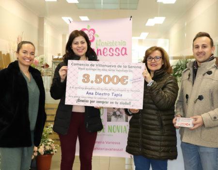 Ana Diestro, ganadora del talonario valorado en 3.500 euros de la campaña de navidad