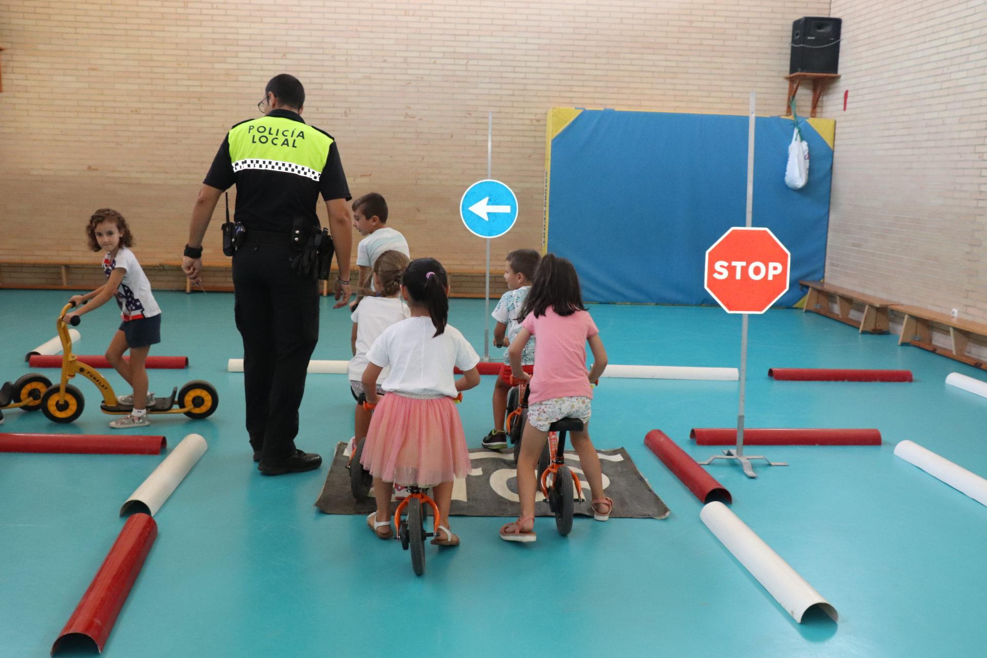 Alrededor de 1.700 alumnos de Primaria y Secundaria participan en la XIII campaña de educación vial de la Policía Local