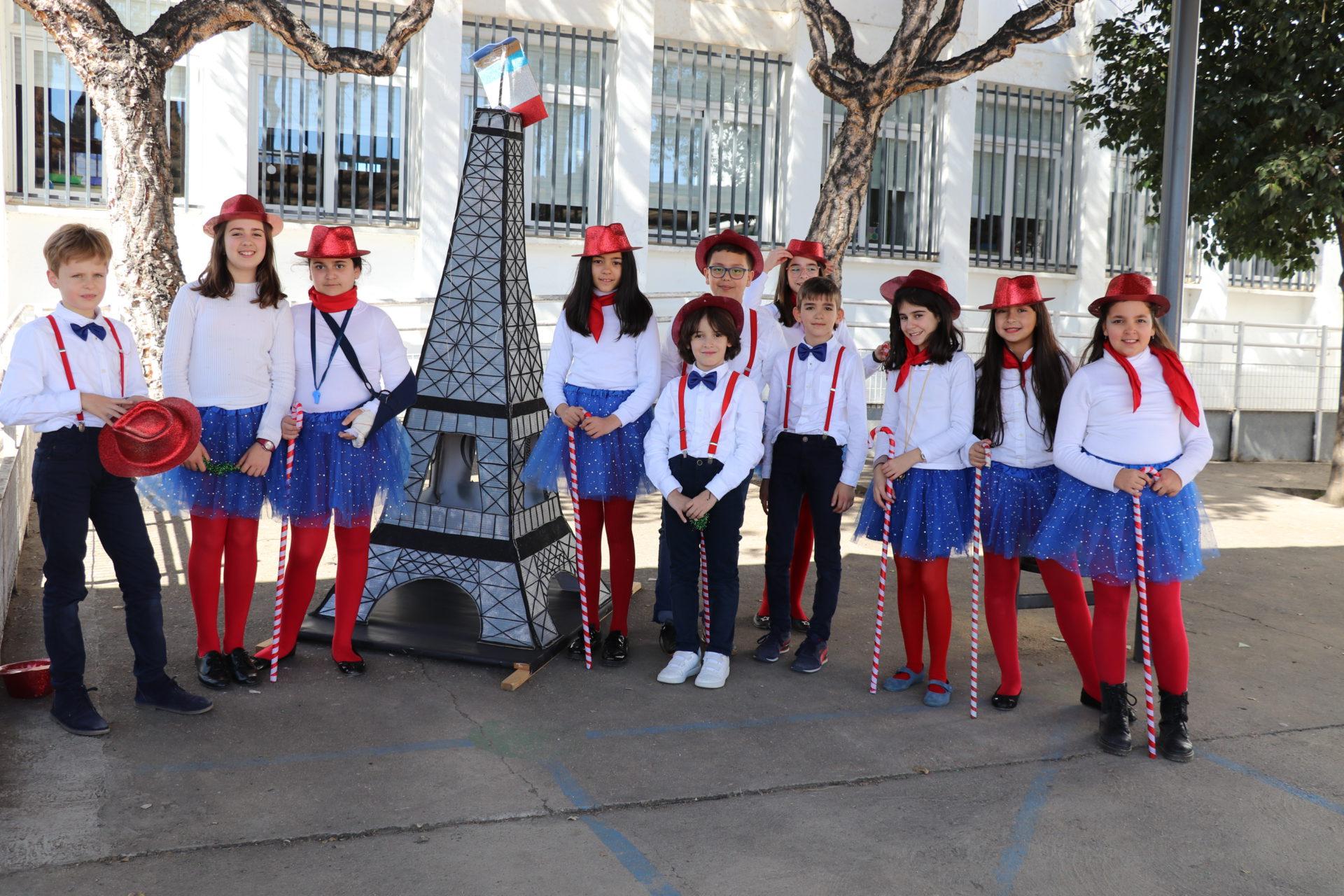El CEIP Virgen del Pilar da la vuelta al mundo en su carnaval