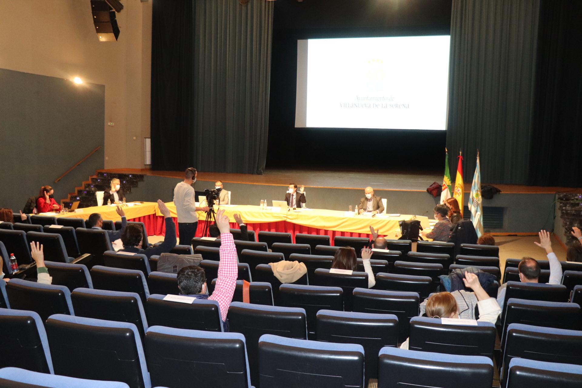 Aprobadas modificaciones de varias ordenanzas fiscales, además de mociones sobre el 8 M y las personas sordas
