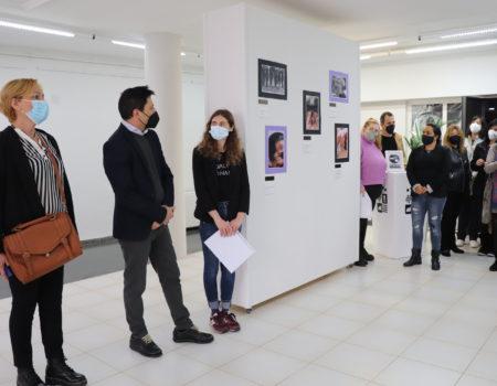Apoyat organiza una exposición con motivo del Día Internacional de la Mujer