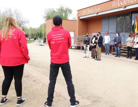 El alcalde Miguel Ángel Gallardo visita a los alumnos del programa Crisol