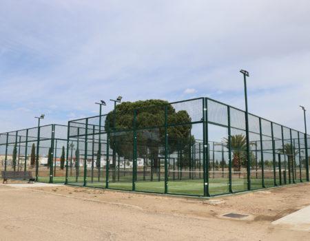 Casi 4.500 usuarios han pasado en el último año por las dos nuevas pistas de pádel de la ciudad deportiva