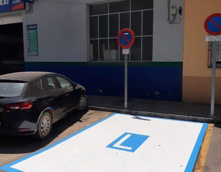 Varias plazas de estacionamiento exclusivo se han creado en distintos puntos de la ciudad con la finalidad de facilitar el aparcamiento en determinadas situaciones