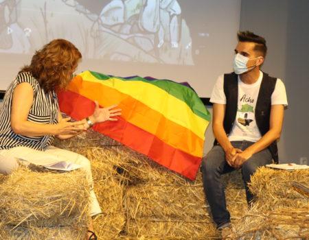 "Fernando Sembrador crea la ""Jota del Acho i del Acha"", una jota reivindicativa del movimiento LGTBI y escrita en estremeñu"