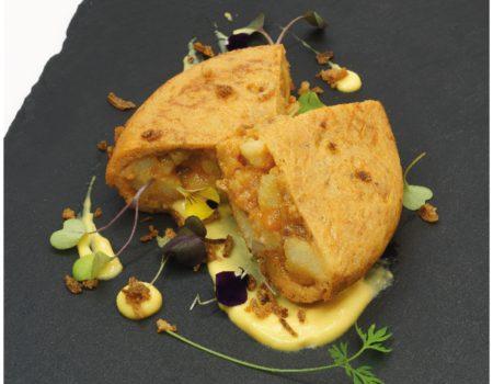 La tapa de tortilla de patatera ibérica, del restaurante Ábako, ganadora del premio de la Gastro Ruta de la Feria de la Tortilla de Patatas