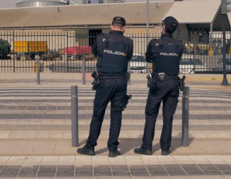 """La Policía Nacional instalará un stand en """"Parque Vuelta"""" en la 13 etapa de la 76 Vuelta Ciclista a España el 27 de agosto"""