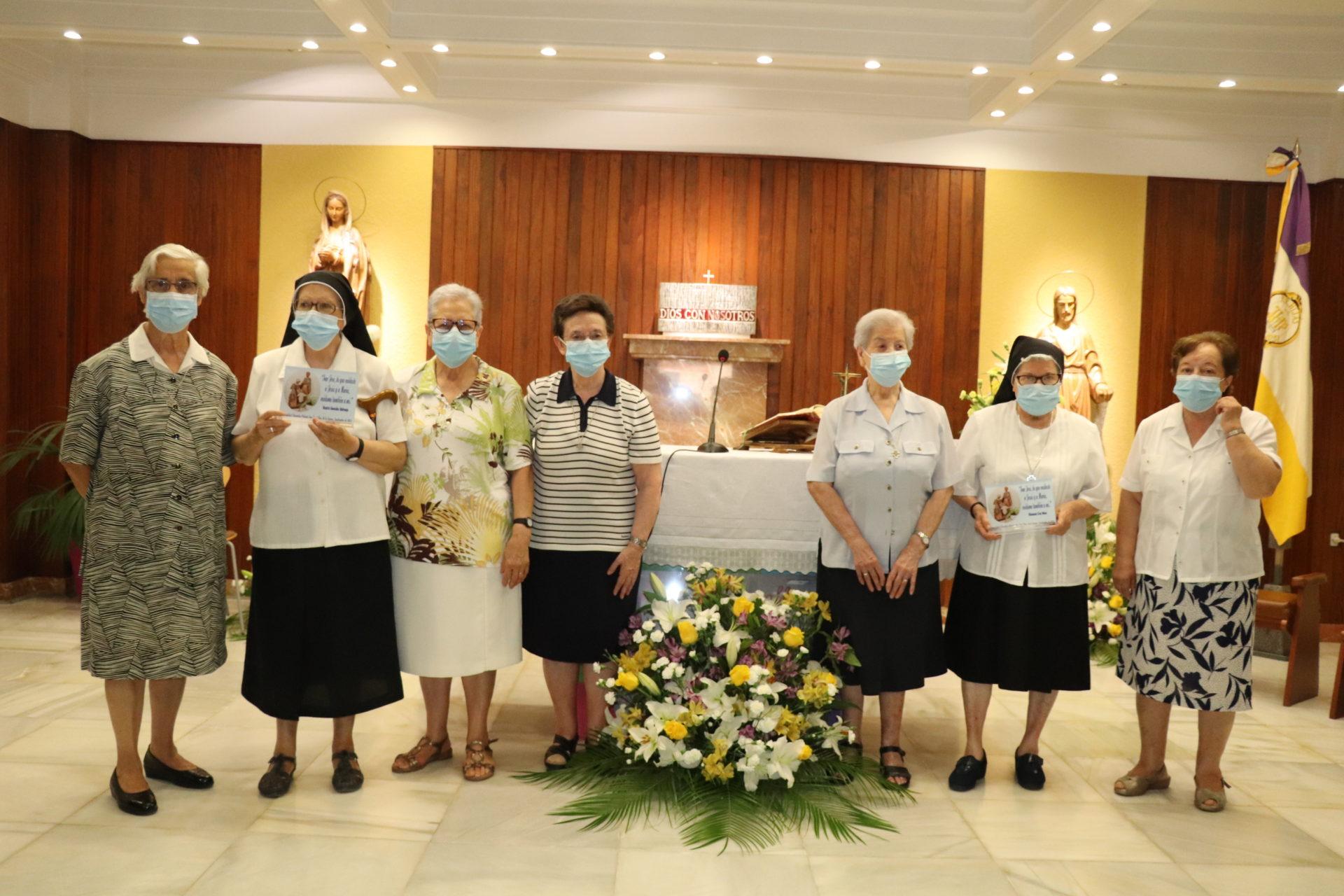 Emotiva despedida a las hermanas de la congregación de las Hijas de San José, que se marchan de Villanueva